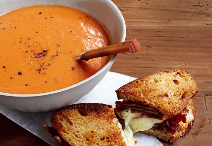 creamy-tomato-soup-700x484