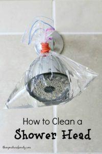 Douchekop schoonmaken