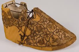 middeleeuwse-borduurkunst-schoentje